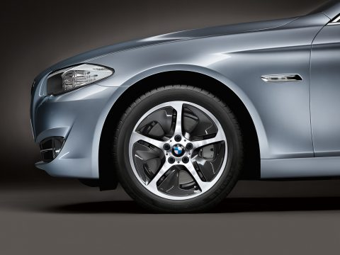 Alloy Wheels Can Give Your Vehicle A Quick Makeover