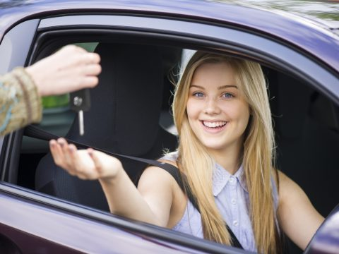 Tips For Choosing The Right Driving School