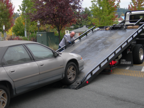 Hiring A Towing Company Without Shaking Your Budget